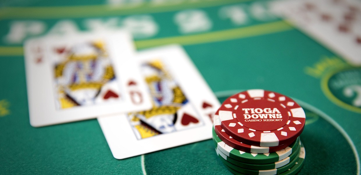 Get Profits By Playing Poker Games