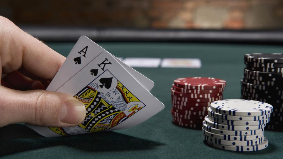 Use an Online Poker Bot to Increase Your Money