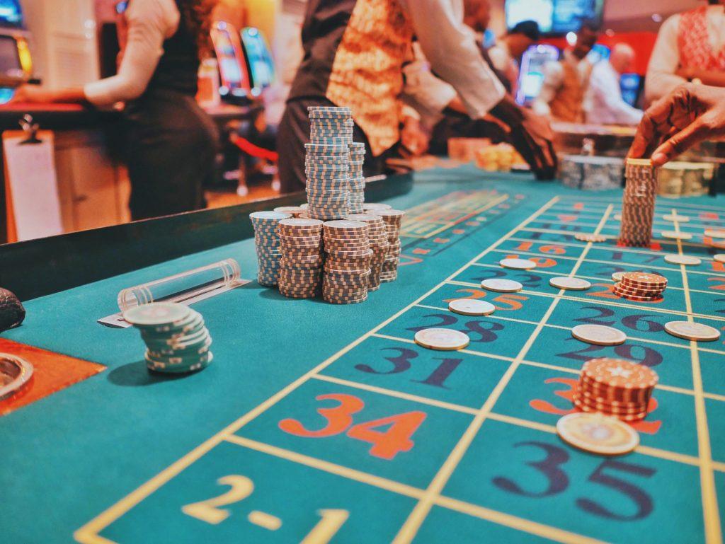 Win real cash with Mega-Joker online slot game